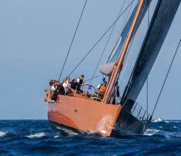 Sailing yacht charter master
