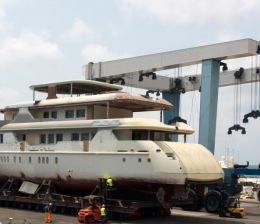 yacht building greece